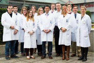 Hubert Plovier, troisième à droite (à l'arrière), apporte une petite touche régionale à cette belle avancée scientifique de l'UCL.-Com.